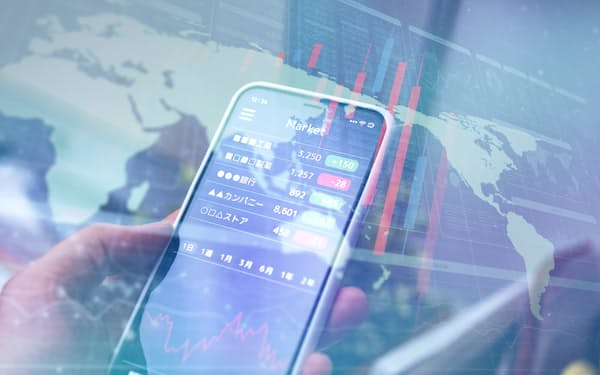 投資への「ハードルの低さ」が特徴のスマホ証券(写真はイメージ=PIXTA)