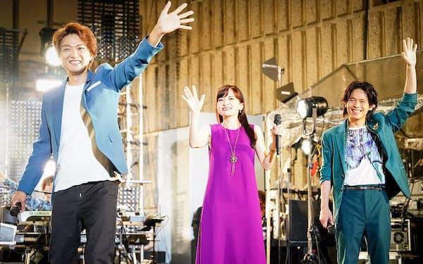 「日比谷音楽祭2021」で5月29日、野音での「Hibiya Dream Session1」に出演した日比谷ブロードウェイ(左から井上芳雄、島田歌穂、中川晃教) (C)日比谷音楽祭実行委員会