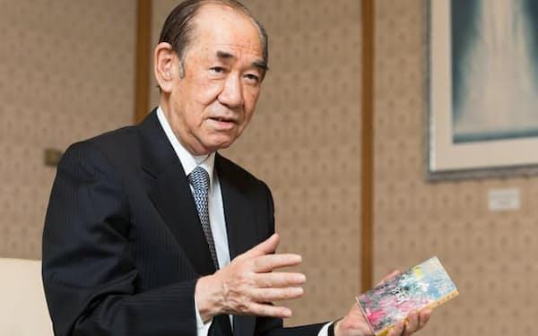 おおつか・よしはる 東大法卒。旧厚生省に入り、厚生労働省保険局長、事務次官などを務めた後、日本赤十字社副社長に。2019年より現職。