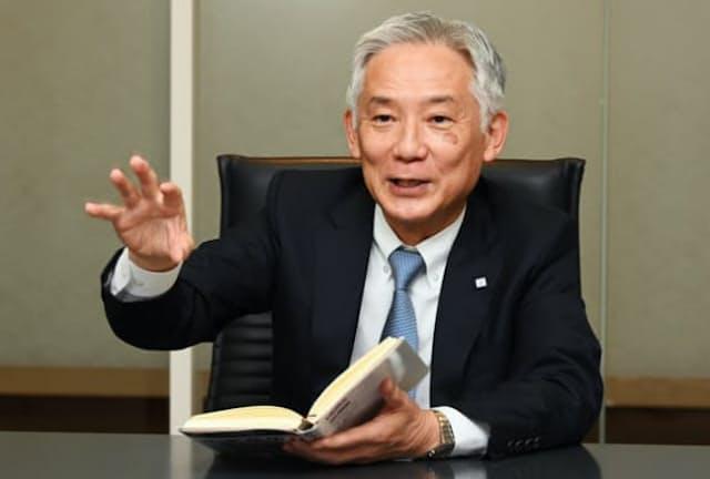のざわ・とおる 1959年神奈川県生まれ。81年慶大法卒、十條製紙(現日本製紙)入社。2005年財務部長。14年取締役兼執行役員企画本部長。19年より現職。