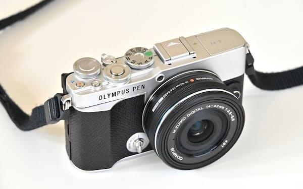 OMデジタルソリューションズが6月25日から販売を開始したミラーレス一眼カメラ「OLYMPUS PEN E-P7」。価格はオープン。公式オンラインストアでは、数量限定の発売記念セット(ボディー)を9万3500円で販売している