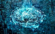 AIはまだ発展途上の技術。補うのは人間かAIか、その両方か。写真はイメージ