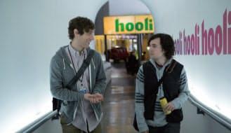 『Silicon Valley』。サンフランシスコのベイエリアで、新たにIT企業を立ち上げた若者たちの青春と業界の内幕を描くコメディードラマ。出演は、トーマス・ミドルディッチ、『トランスフォーマー/ロストエイジ』のT・J・ミラーほか。俳優としても活躍するマイク・ジャッジが、製作総指揮・企画・脚本を務める。2014年4月6日よりHBOにて放送スタート。シーズン1は全8話。シーズン2は2015年放送予定 (c)Photofest/アフロ