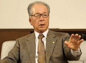 樋口武男氏(ひぐち・たけお) 1938年兵庫県生まれ。61年関西学院大法卒。63年大和ハウス工業入社。93年大和団地社長。2001年大和ハウス社長、04年会長。社内には「スピードこそ最大のサービスなり」と訴える。凡事徹底が信念だ
