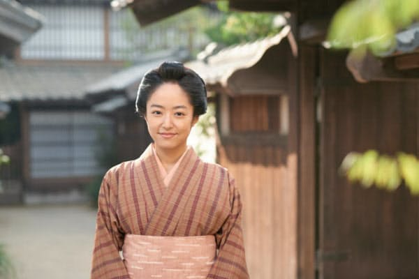 『花燃ゆ』。吉田松陰の妹、文の人生の物語。兄や最初の夫、久坂玄瑞と死別後、毛利家跡継ぎの守役に抜てき。さらにその後、亡き姉の夫、楫取素彦と再婚し、のちに男爵となる夫を支える姿を描いていく(日曜20時/NHK総合)