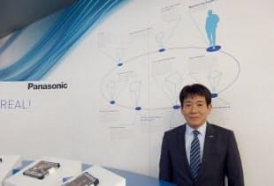 MWC 2015のパナソニックブースに立つMasaki Arizono氏(写真:日経エレクトロニクスが撮影、以下同)