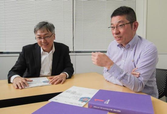 投資家/ブロガー/経済ジャーナリストの山本一郎氏(左)、盛之助 代表取締役社長の川口盛之助氏(右)(写真:加藤康、以下同じ)