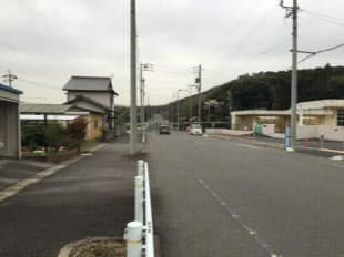 春日井市道149号高座(たかくら)線のうち東端付近の拡幅済み区間。拡幅事業の完了時期は未定(写真:愛知県春日井市)