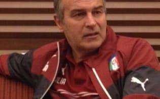 かつての名選手カブリーニは現在、イタリア女子代表を率いている