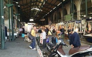 緊縮の痛みをもろに受けた、アテネの庶民の台所=市場は閑散。債務危機前は、あふれんばかりの人出だったという(筆者撮影)