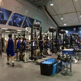 IMGアカデミーのウエートトレーニング場。14人のトレーニングコーチがいる