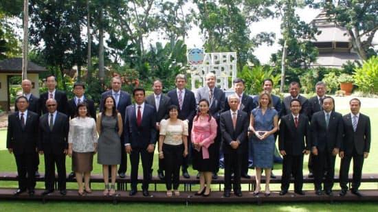 図1 APECエネルギー大臣会合(APEC EMM12)に参加した閣僚 (出典: APEC)