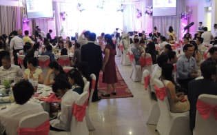 ベトナムの結婚披露宴は参加者が300人を超すことも珍しくない