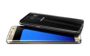 スマートフォンの最新フラッグシップ機「Galaxy S7」(上)と「Galaxy S7 edge」(下)