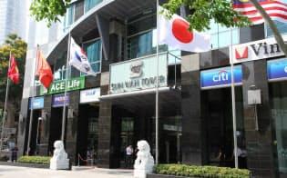 オフィス探しには、現地の情報収集が欠かせない(ホーチミン日本商工会や日系企業も入居する高層オフィスビル、サンワタワー)