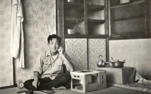 松風工業時代、寮の自室で