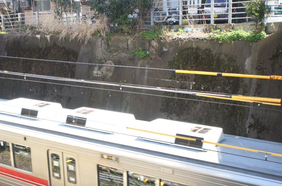 桐ケ谷駅の痕跡、コンクリート壁に今も:東急・田園都市線は銀座線と ...