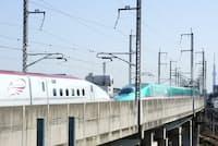 王子駅(東京都北区)付近を走る東北新幹線