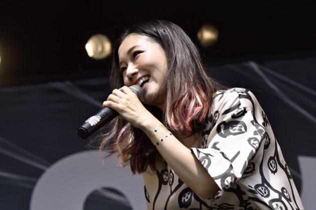 ロック・イン・ジャパン・フェスティバル2015                    曲もつくる若手女性 輝く