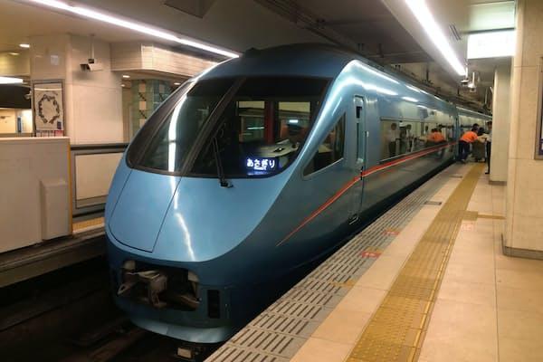 小田急電鉄の特急ロマンスカー「あさぎり」。これに乗って御殿場に向かうはずが……