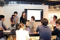 子連れ出勤の実体験を説明するソウ・エクスペリエンスの石井さんと望月さん(写真:小野さやか)