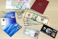 海外用プリペイドカードがあれば多額の現金は不要だ