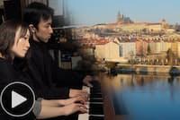 哀愁の「モルダウ」 ピアノ連弾で再発見