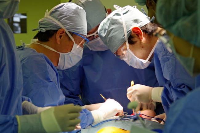 頭頸部がんの手術をする国立がん研究センター東病院(千葉県柏市)