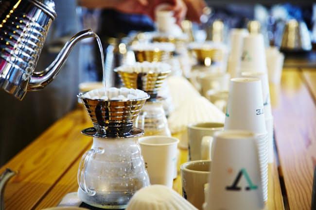 ヴァーヴ コーヒー ロースターズのプアオーバーは3種類の豆から選んでオーダーできます(季節により変動)