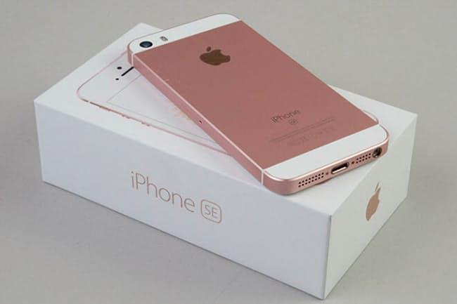 iPhone SEの箱はiPhone 6sシリーズ同様で高級感がある