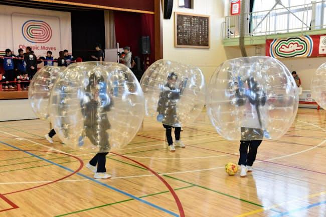 「バブルサッカー」は中学生の心をつかんだ