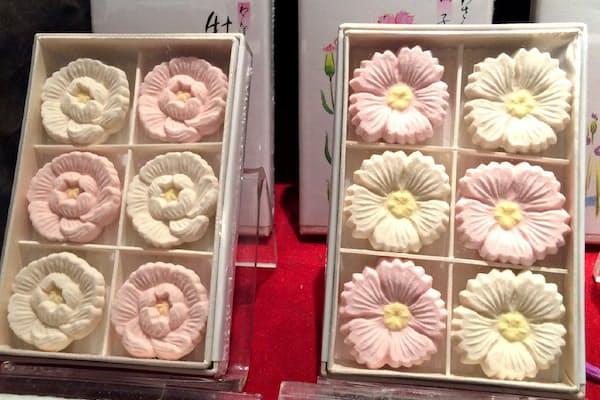 季節をかたどる和三盆の干菓子(三谷製糖羽根さぬき本舗)