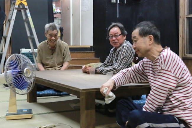 東京乾電池創立40周年記念公演の稽古風景。左から柄本明、ベンガル、綾田俊樹(東京都世田谷区)