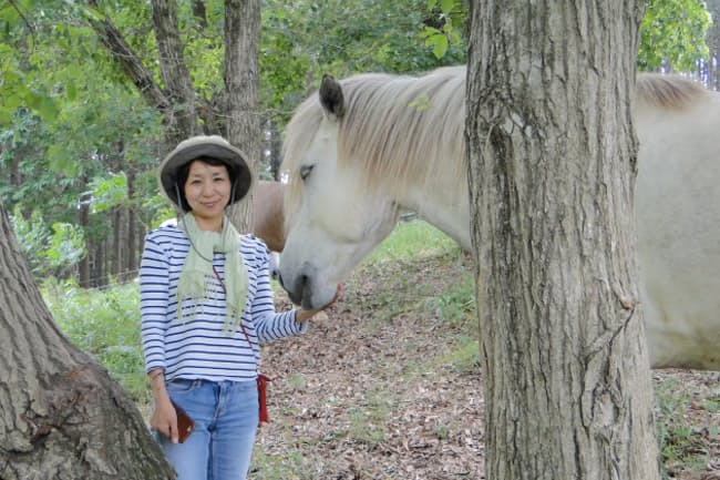 馬を使った企業研修を主催するコース代表の小日向素子さん