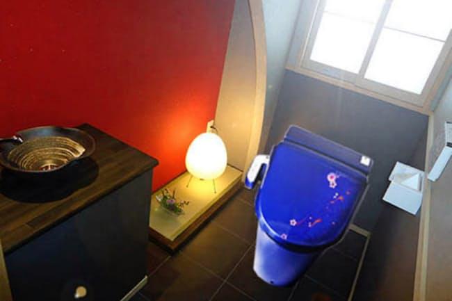 さかもとは、外国人向けに色のついたトイレを販売する