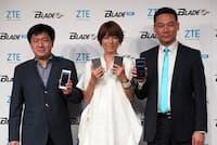 ZTEは日本を重点市場に位置付け積極的に取り組むようになった。今回の新製品発表会でも歌手のhitomiさんを起用し積極的にアピール。写真は2016年6月15日のZTE新製品発表会より