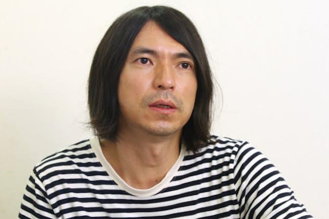 1974年神奈川県生まれ。1994年デビュー。現在、テレビ番組「5時に夢中!」(TOKYO MX)の司会を務める。ミュージシャンとしても活躍。新アルバム「I'M MUSIC」発売中。