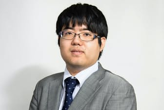 糸谷哲郎八段(いとだに・てつろう)1988年生まれ。広島市出身。森信雄七段門下。98年奨励会入会。2006年四段。14年、竜王を獲得、八段に。