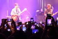 スマホなどでの写真撮影が許された藤井フミヤのライブ(東京都渋谷区)