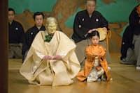 「復興と文化」の第4弾として大槻文蔵(左)がシテを勤めた「名取ノ老女」。好評を受けて今秋には名取市での再演が決まっている。