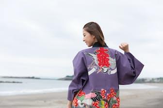 ももいろクローバーZの玉井詩織さんが千葉県鴨川市で「万祝」に挑戦しています