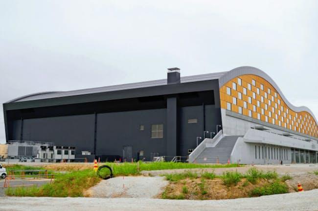 金沢市の城北市民運動公園で建設中の屋内プール