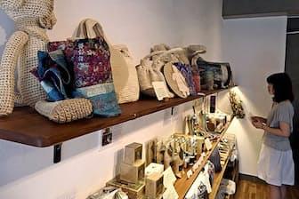 「トゥル-ベリー プラス ヴィーガニー」は有機栽培原料の飲料や途上国支援の工芸品を販売(東京都港区)