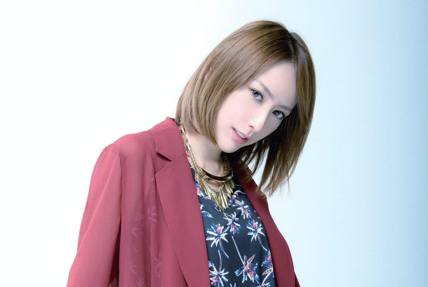"""藍井エイル 世界を駆ける""""アニソン界の歌姫"""""""