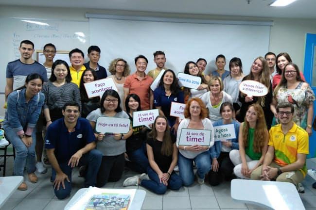 通訳トレーニングに世界各国からリオに集まったボランティアたち。後列左から6人目が筆者