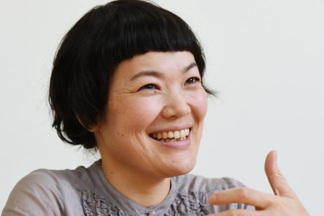 にかいどう・かずみ 1974年広島県生まれ、99年アルバム「にかたま」でデビュー。2013年、映画「かぐや姫の物語」主題歌「いのちの記憶」で注目を浴びる。