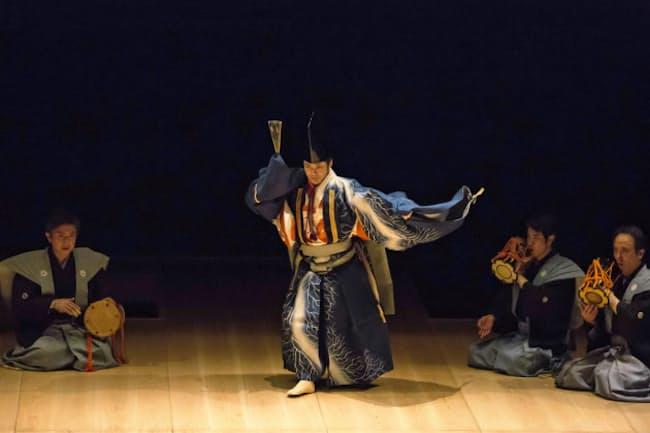 野村萬斎さんは現代美術作家の杉本博司さんと組み、三番叟を舞う(写真提供:小田原文化財団)