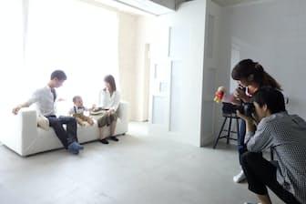 自然光で写真が撮れるスタジオが増えている(スタジオココア横浜港北店=横浜市)