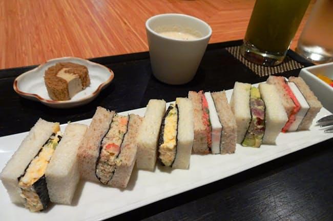 歌舞伎座タワー5階にある「寿月堂」の「築地 シーフードサンド(スープ、デザート、芽茶の冷茶付き)」(税込み1450円)