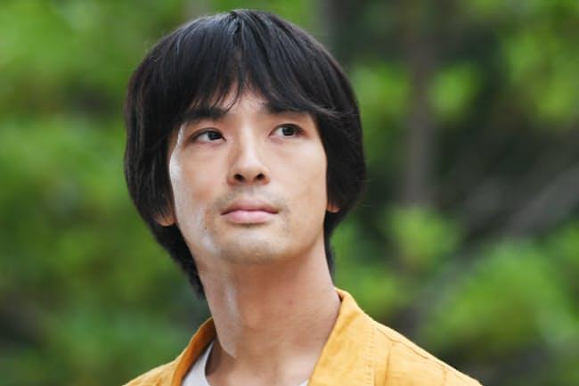 1980年東京都生まれ、2004年、米国のレーベルから「Night Piece」でデビュー。来年公開の映画「PARKS パークス」など映画・舞台音楽も手掛ける。